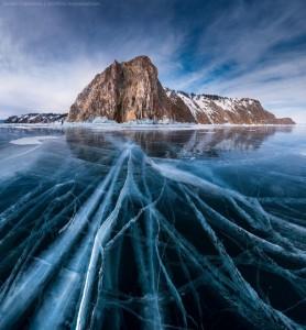 cracked-ice-lake-baikal-russia